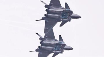 国产轰油-6可全疆域为各型战机加油 空军战力倍增