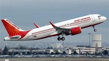香港引用防疫条例 禁止两航空公司航班着陆香港