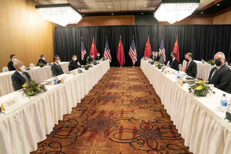 """美国霸权危害全球 多国专家反对""""新冷战"""""""