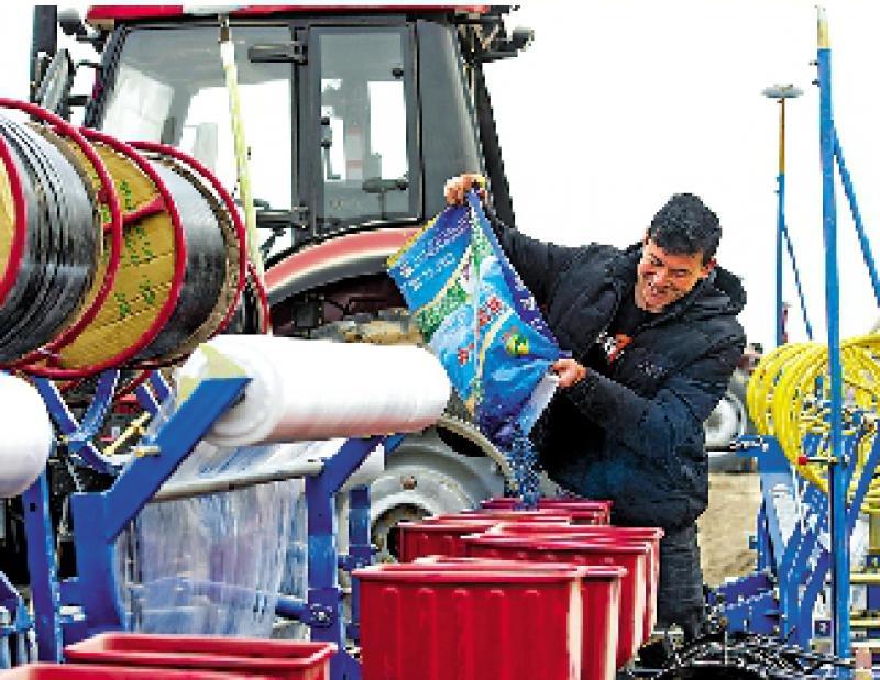 ?高科技種植新疆棉