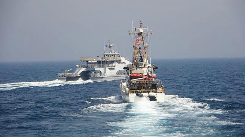 ?与伊快艇仅隔62米 美舰开火示警