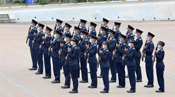 """""""纪律部队的一小步 更是香港迈向长治久安的一大步"""""""