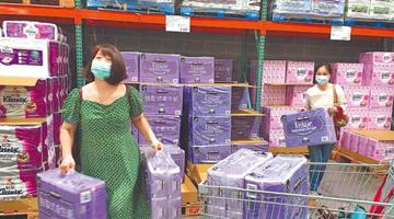 """台疫情升温 出现卫生纸、泡面、口罩""""抢购潮"""""""