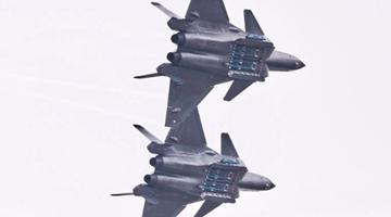 """歼-20""""威龙""""隐身战机:可欺骗敌方雷达一剑封喉"""