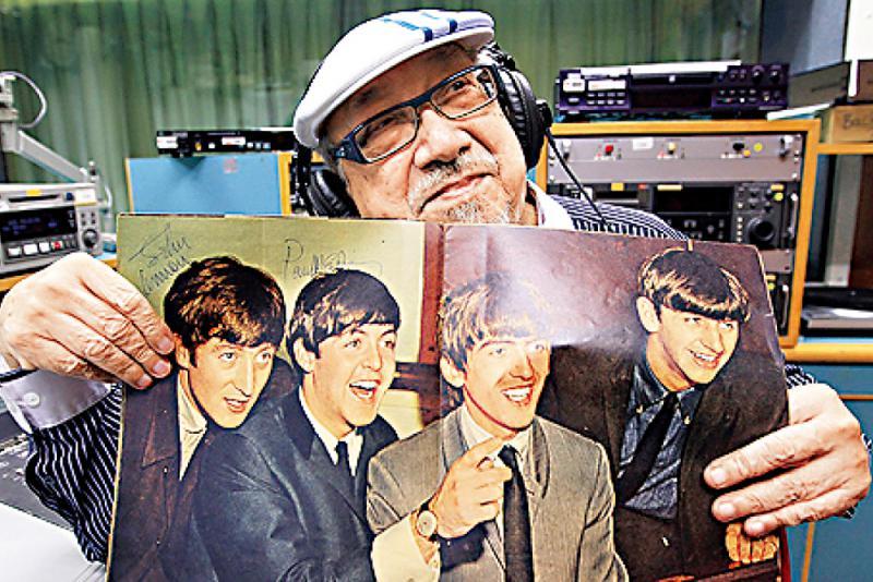 ?最長壽唱片騎師/Uncle Ray出自傳 見證文化沙漠變音樂重鎮\周光蓁