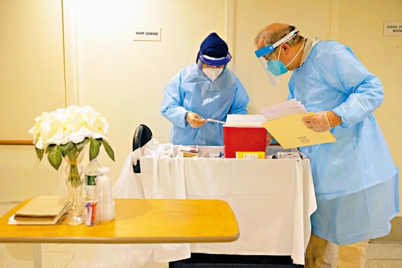 ?美護老院疫苗立功 確診人數驟降