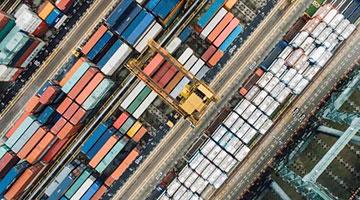 出口投资向好 穆迪上调中国GDP预测至8.5%