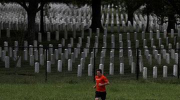 死于新冠的美国人一共少活了多少年? 数字令人震惊
