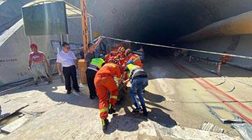 珠海隧(sui)道透水事故最新lu)zhan)︰被困14人仍(reng)然無法聯系(xi)