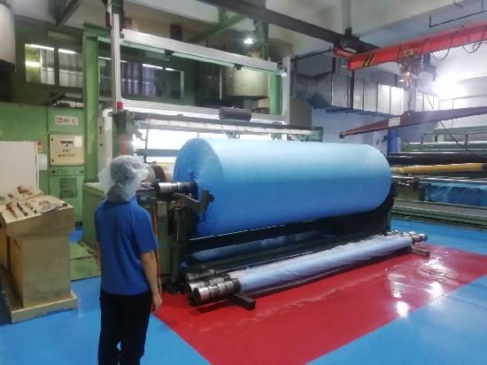 疫情期间彰显大爱 港企支持深圳抗击疫情完成4亿口罩材料生产
