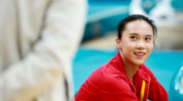 中国女子蹦床包揽冠亚军!朱雪莹夺冠 刘灵玲银牌