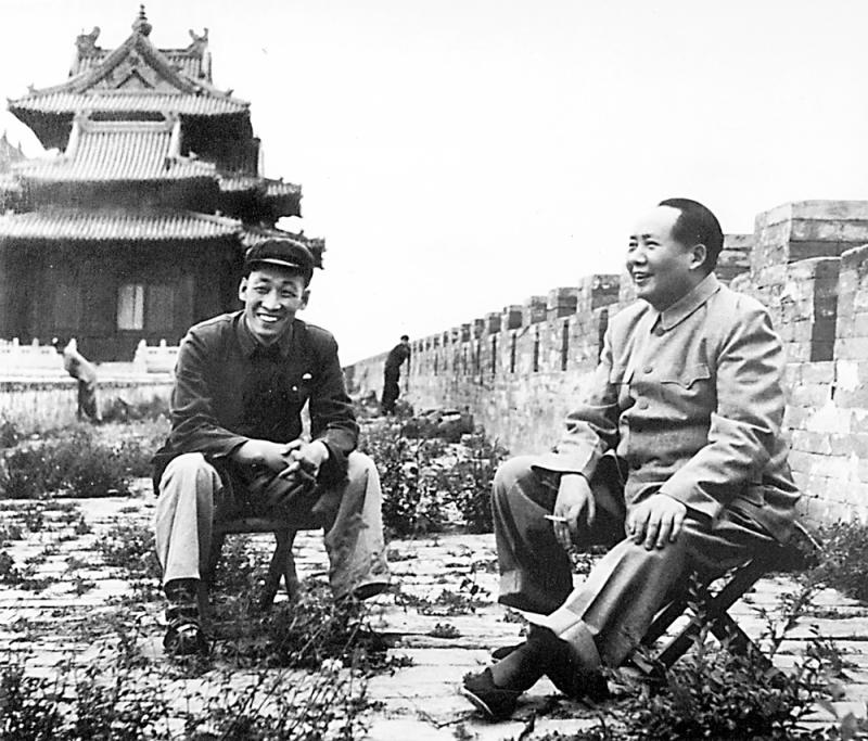 人文历史/毛泽东与故宫博物院的故事