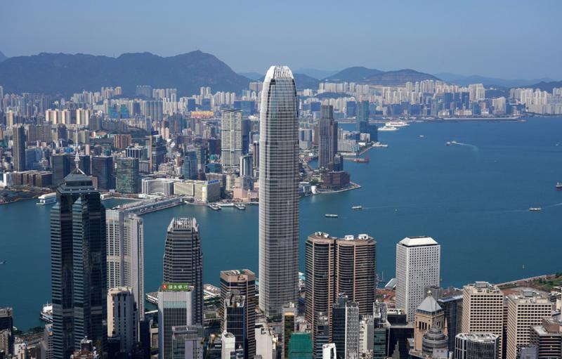 ?寰球视野/融入双循环 打造香港新优势\中银香港首席经济学家鄂志寰博士