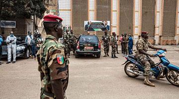 几内亚政变军人称将组建民族团结政府 边境已重开