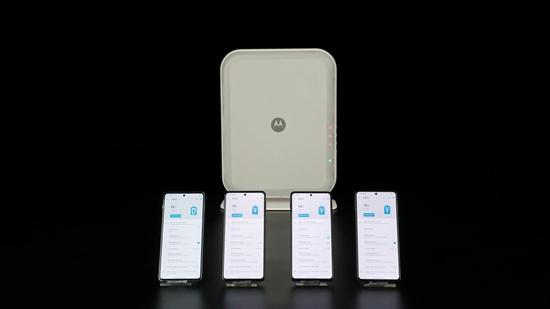 未来手机可以无线充电?摩托罗拉新一代隔空充电技术亮相联想创新科技大会