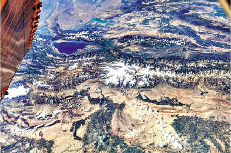 ?太空鸟瞰新疆美景