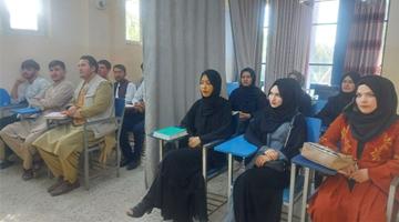 塔利班:允许阿富汗女性上大学 但男女须隔开