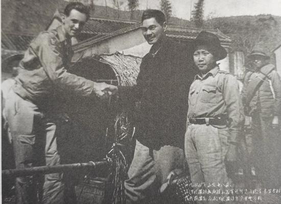 港九大队救护援华美军飞行员 《华南抗战的光荣旗帜——东江纵队》明日南京开展