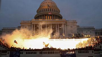 班农承认参与策划美国会骚乱 为尽早将新政府扼杀在摇篮中