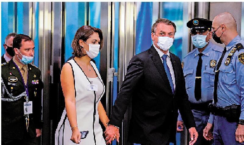 巴西第一夫人赴美接种疫苗捱轰