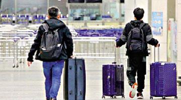 ?李家超率团抵深圳 商讨通关对接等议题