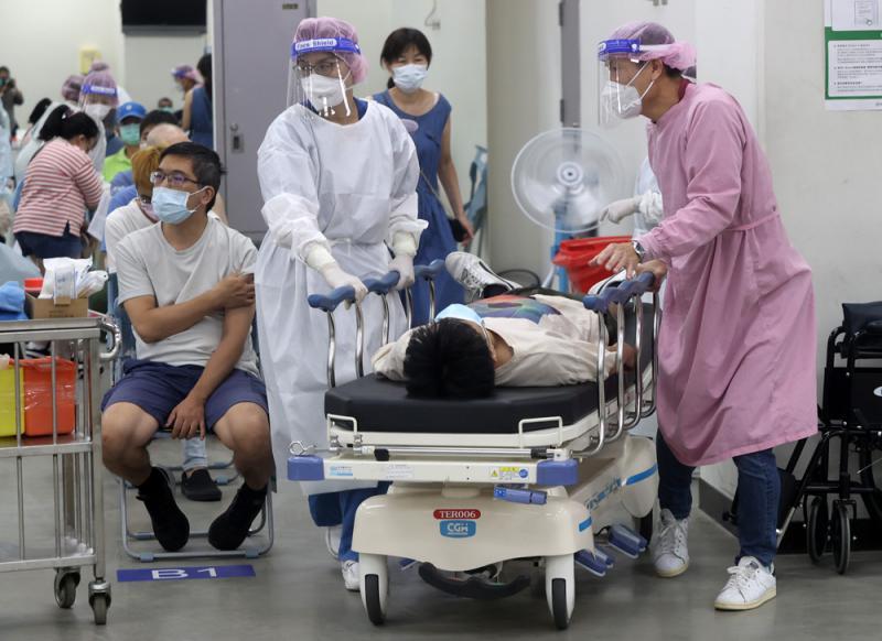 """医院疏失 台25人误打""""5倍剂量""""疫苗"""