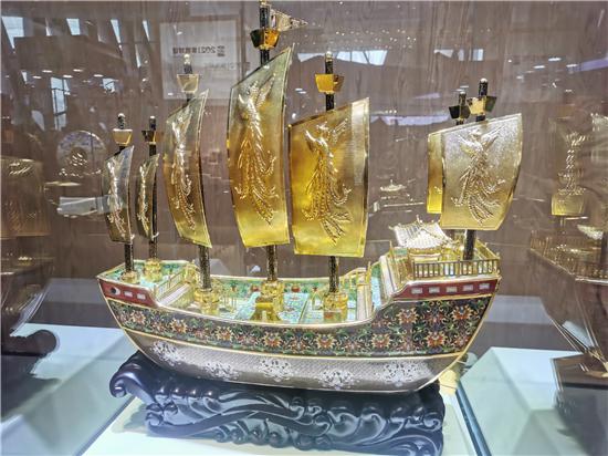 2021中国大运河文化带京杭对话展出三件国礼