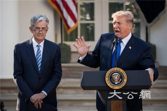 特朗普强调有权撤换鲍威尔