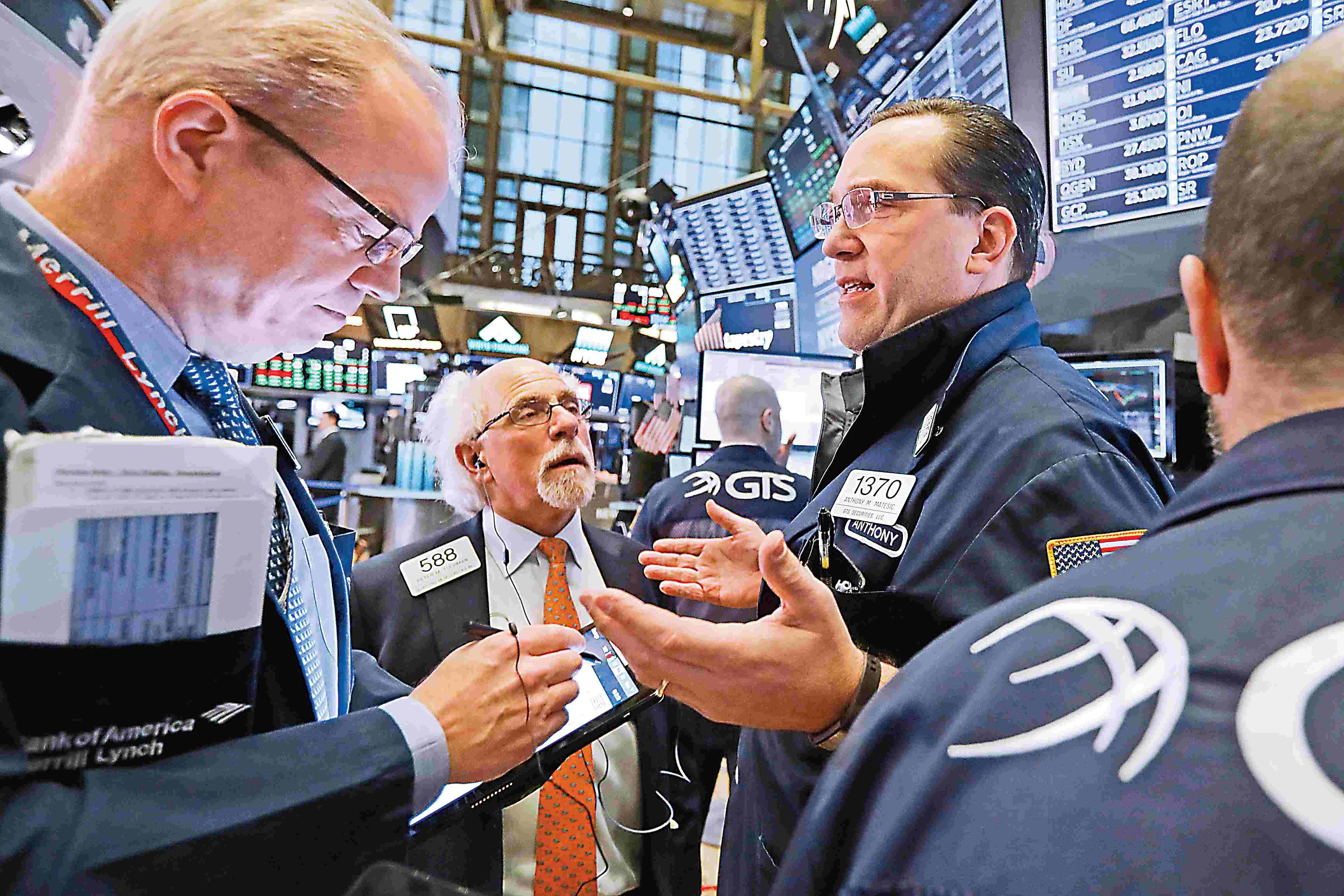 欧美股市全线收涨 纳指重返8000点