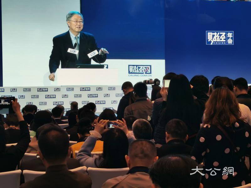 周小川:服务业具巨大发展空间