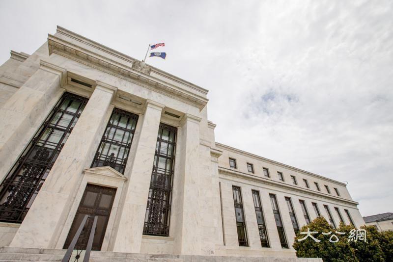货币宽松美股新高 难挡经济衰退预期