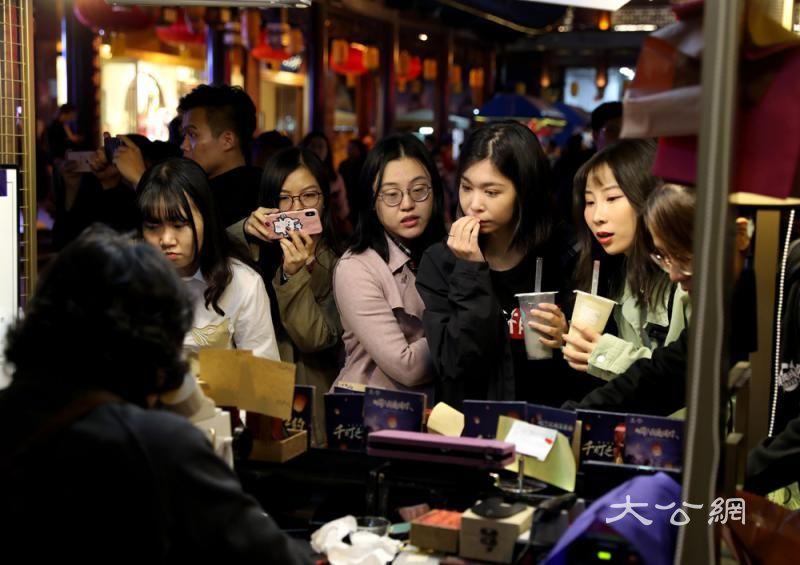 内地小店营收增35% 撑起3亿就业