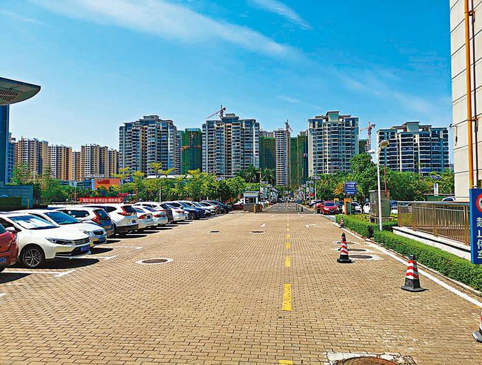 上月70城房价近半跌 深圳四连降