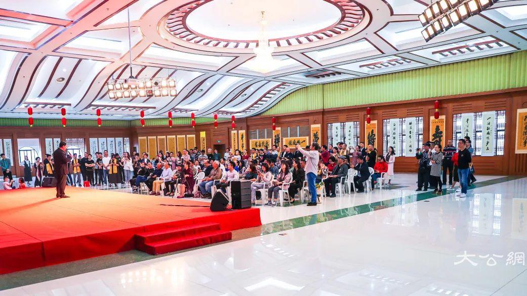 《散落人间千万纸》林志良书法巡展于集美大学站正式启动