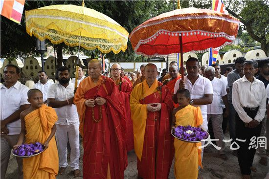 大福报!中国佛教代表团斯里兰卡瞻礼佛牙舍利圆满此行